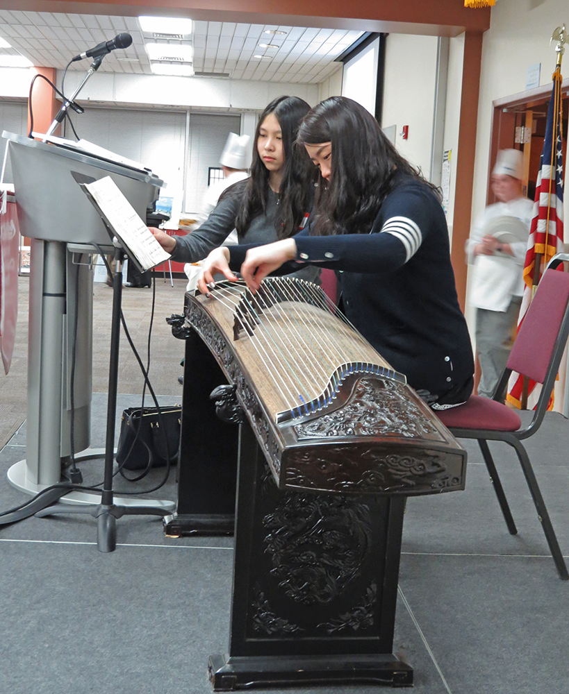 Playing Guzheng-5